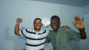 Atleta do Urece com Pelé