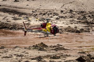 Operação de resgate no Rio Doce, perto do município de Bento Rodrigues