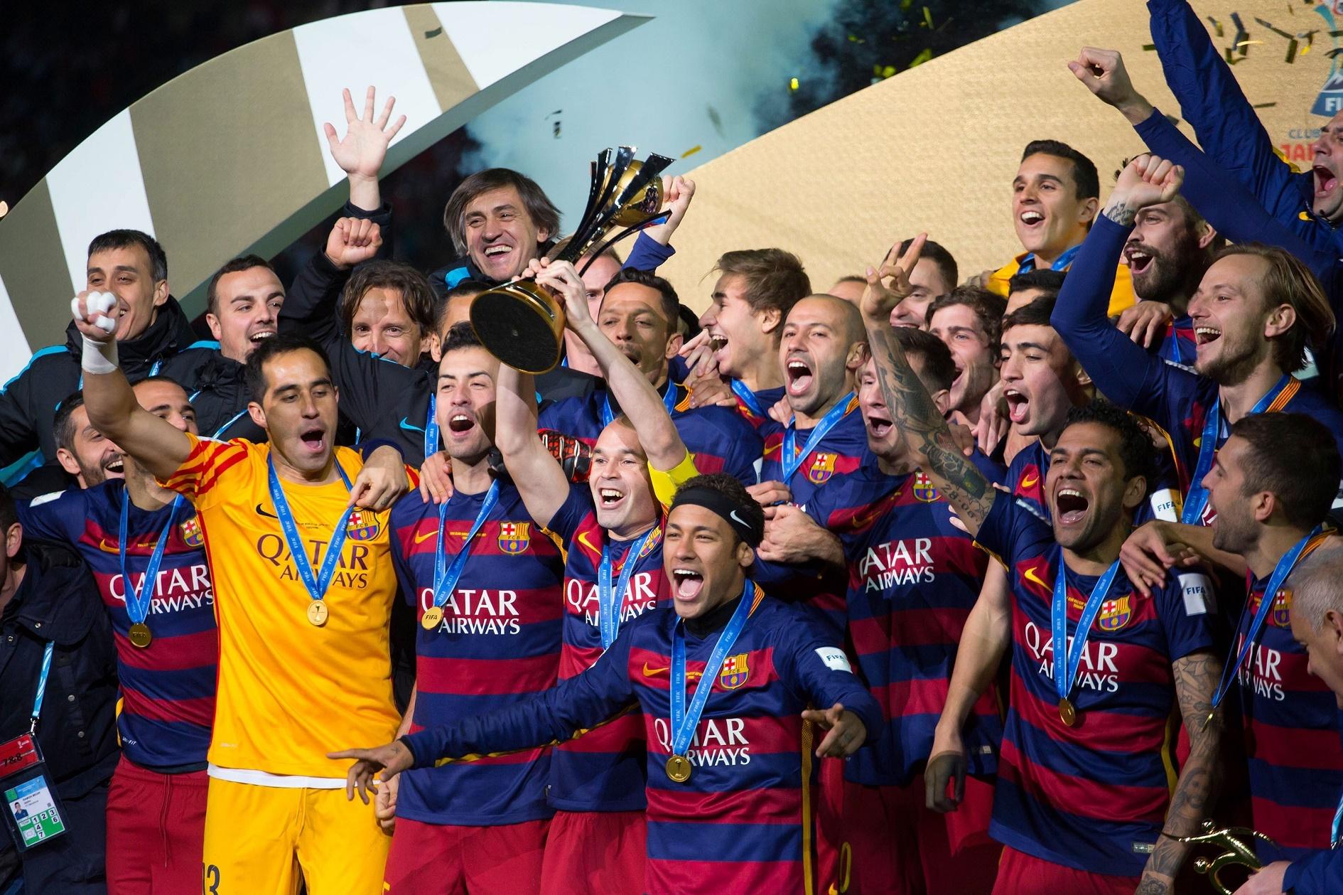 Pelo terceiro ano seguido, o título máximo dos clubes vai para a Europa. O Barcelona superou na final o River Plate, da Argentina, por acachapantes 3 a 0, expressão do abismo que separa a qualidade técnica nos dois lados do planeta bola