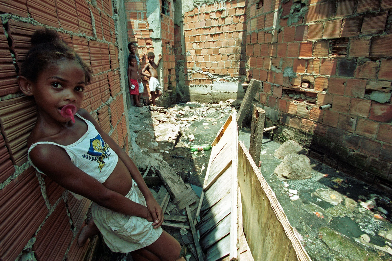 População de baixa renda vem sendo atendida por programas como o Minha Casa Minha Vida, mas segue vivendo em cidades segregadas
