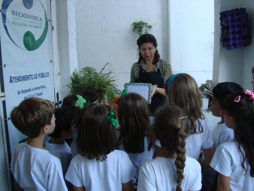 Recicloteca, projeto da ONG Ecomarapendi