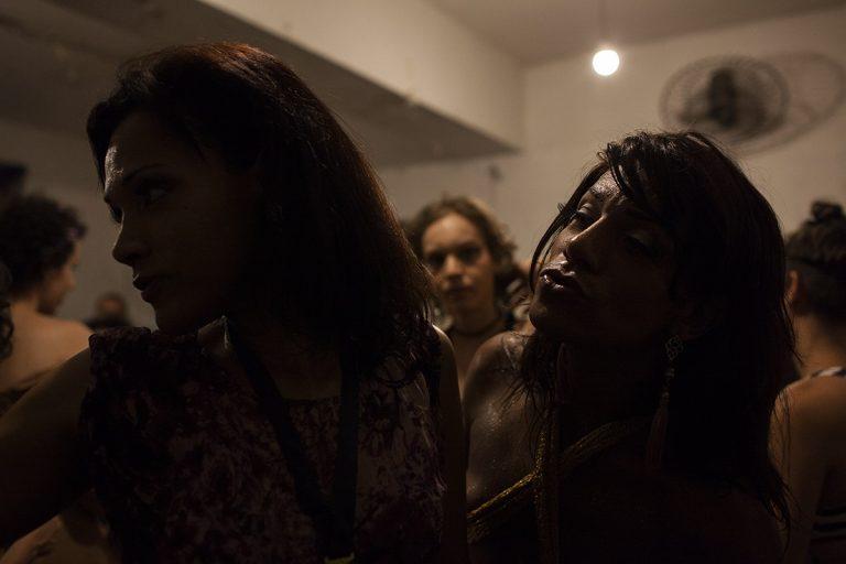 Festa de formatura na Casa Nuvem, um coletivo de artistas, na Lapa