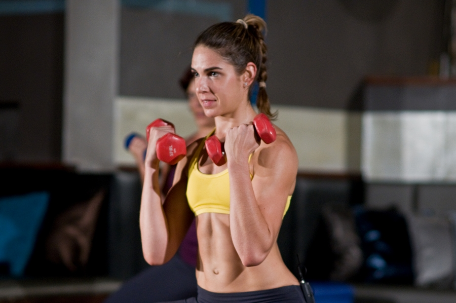A barriga sarada faz parte dos blogueiros fitness: gente que ganha a vida exibindo o seu dia a dia