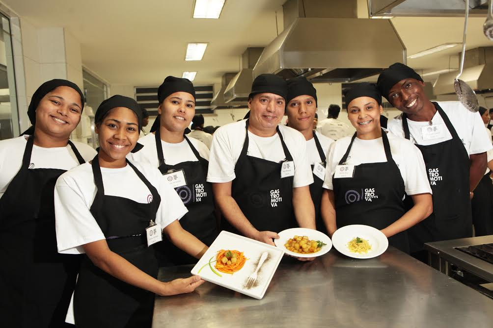 A Gastromotiva oferece aulas de gastronomia para jovens de baixa renda