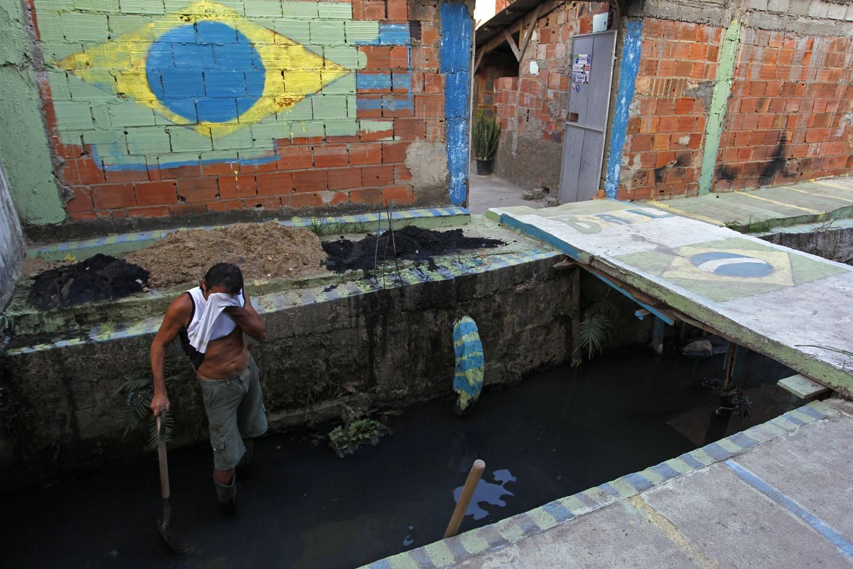 O Brasil não cumpriu com as Metas do Milênio de 2015 em relação ao saneamento básico e temos mais de 100 milhões de pessoas vivendo sem acesso à coleta de esgotos. Foto Custódio Coimbra