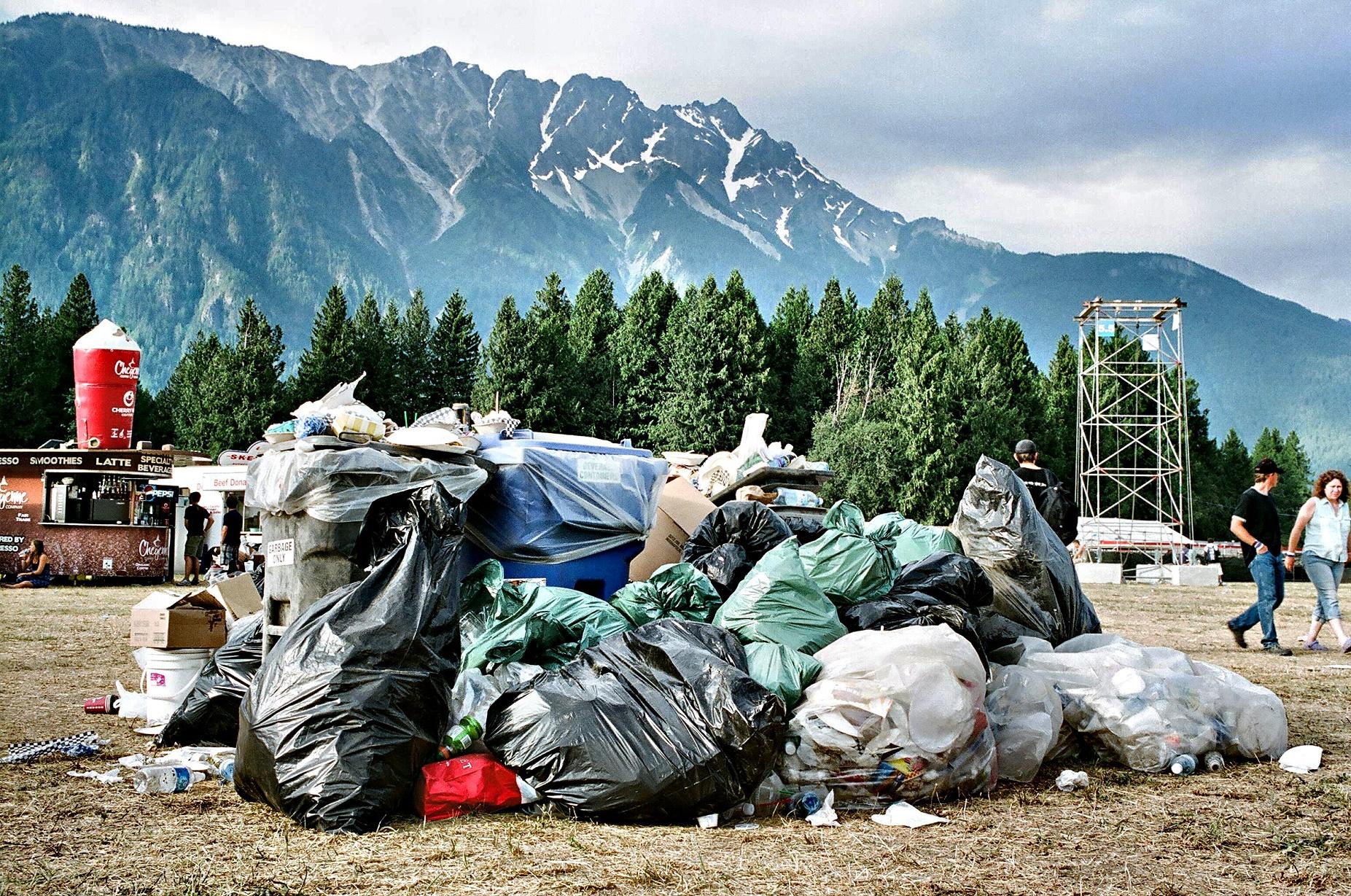 Apenas nos Estados Unidos, o consumo de garrafas plásticas é de 2,5 milhões a cada trinta minutos