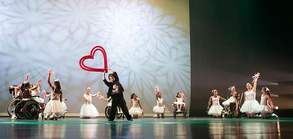 Apresentação dos alunos da Associação de Ballet e Artes para Cegos