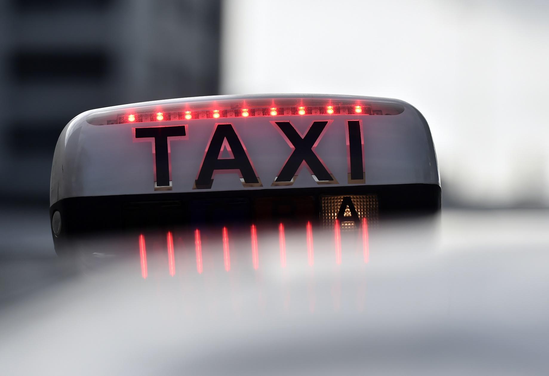 """Presidente do Sindicato dos taxistas de SP em post no Facebook: """"""""Acabou a moleza, prefeito Haddad, chega de palhaçada nesta cidade. Agora é cacete"""""""