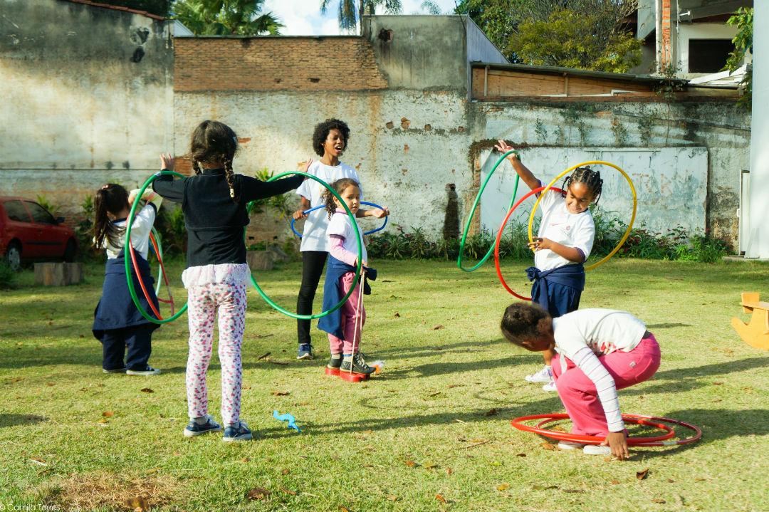 Brincadeiras promovidas pela ONG Aliança pela Infância