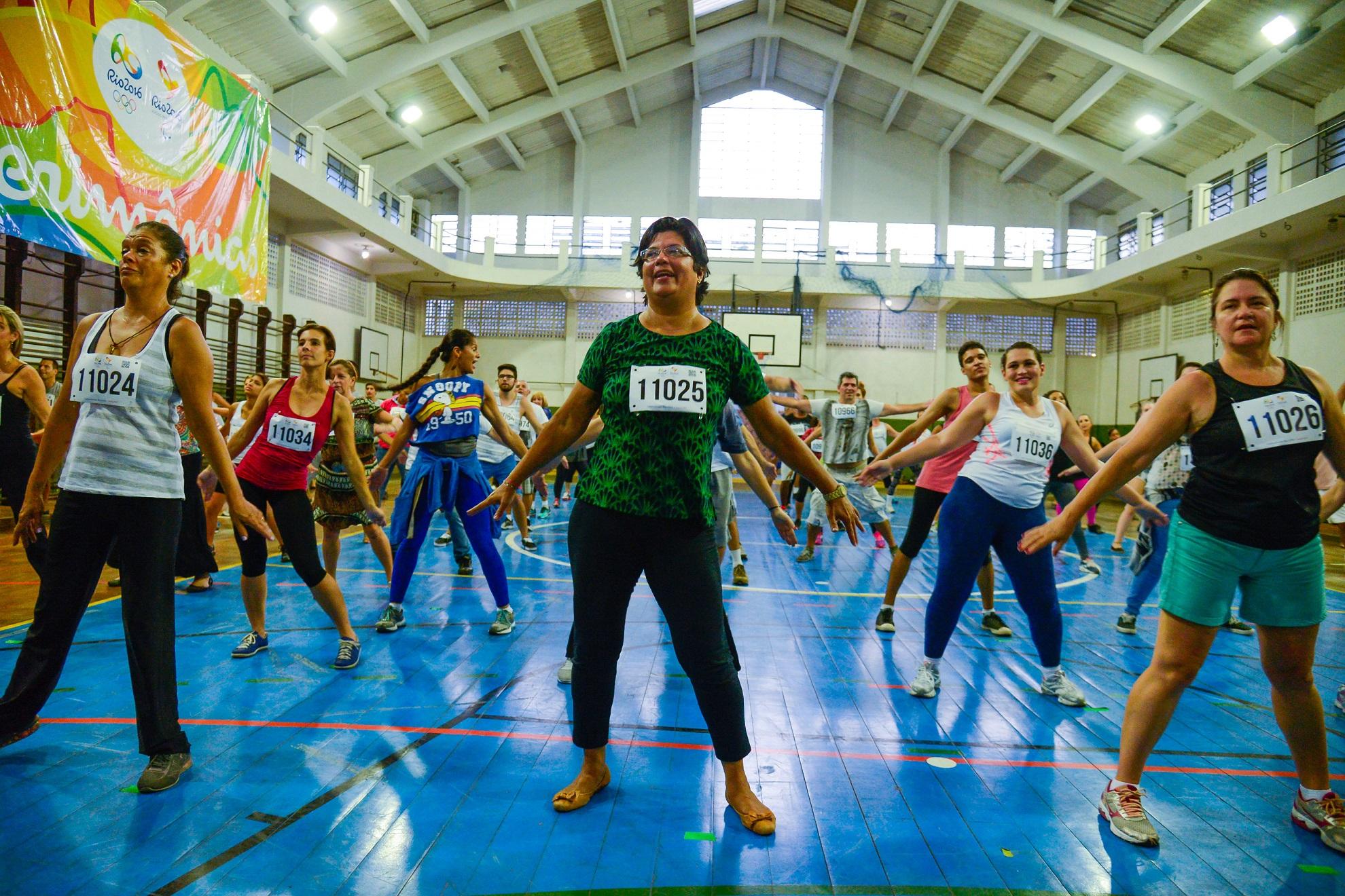 Voluntários ensaiam para a cerimônia de abertura dos Jogos Olímpicos