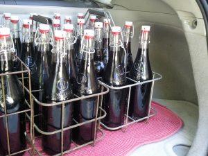O vinho é armazenado em embalagens de vidro reutilizáveis