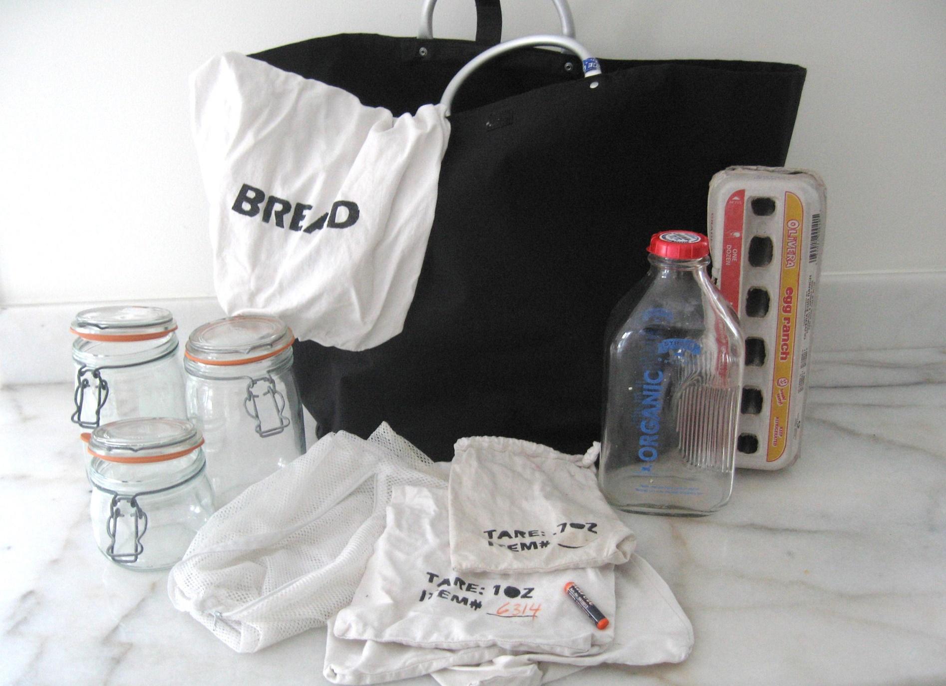 Kid de compras: supermercado sem saco plástico