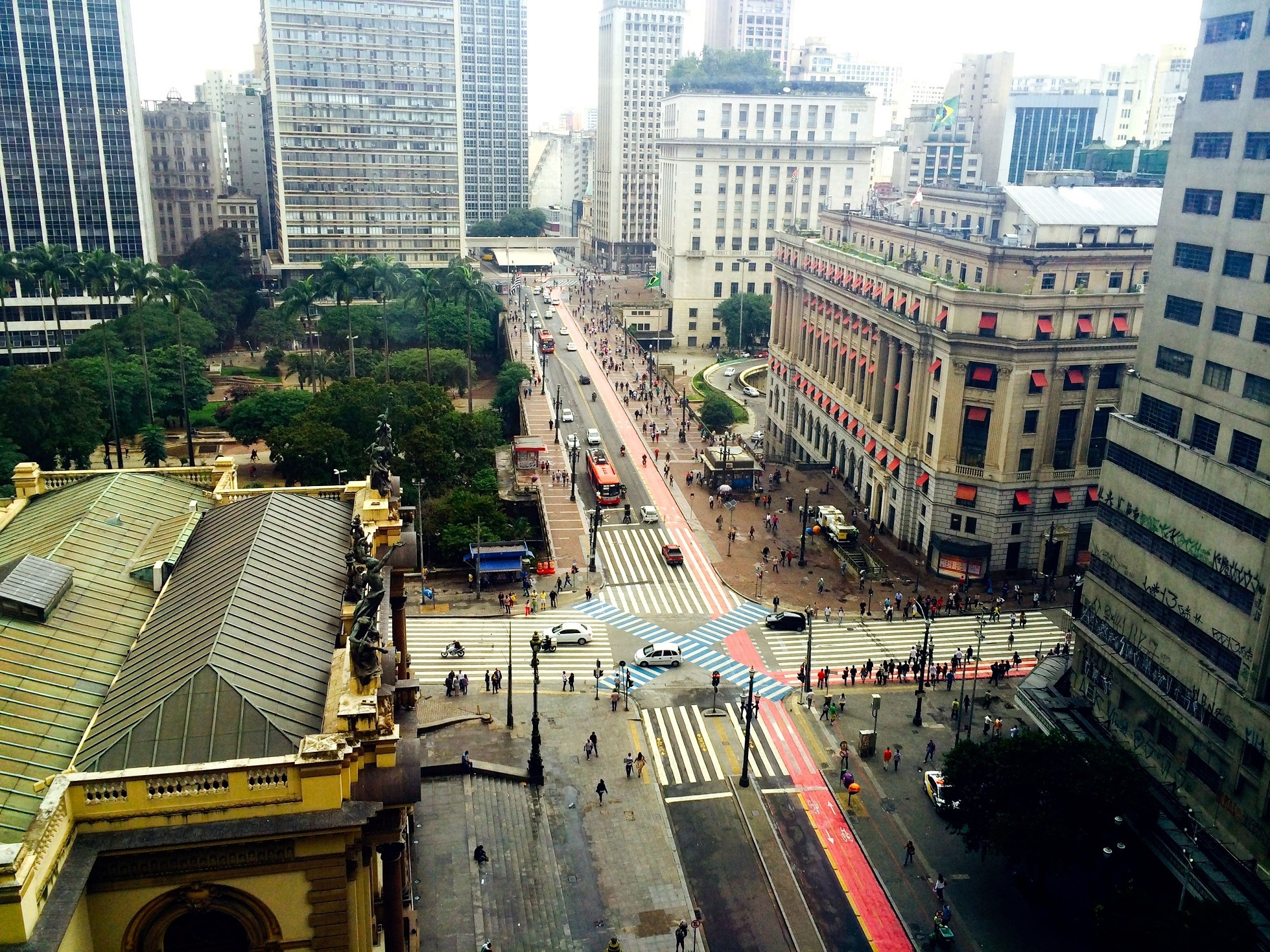 As faixas exclusivas para ônibus têm sido ponto chave da política de mobilidade urbana em São Paulo