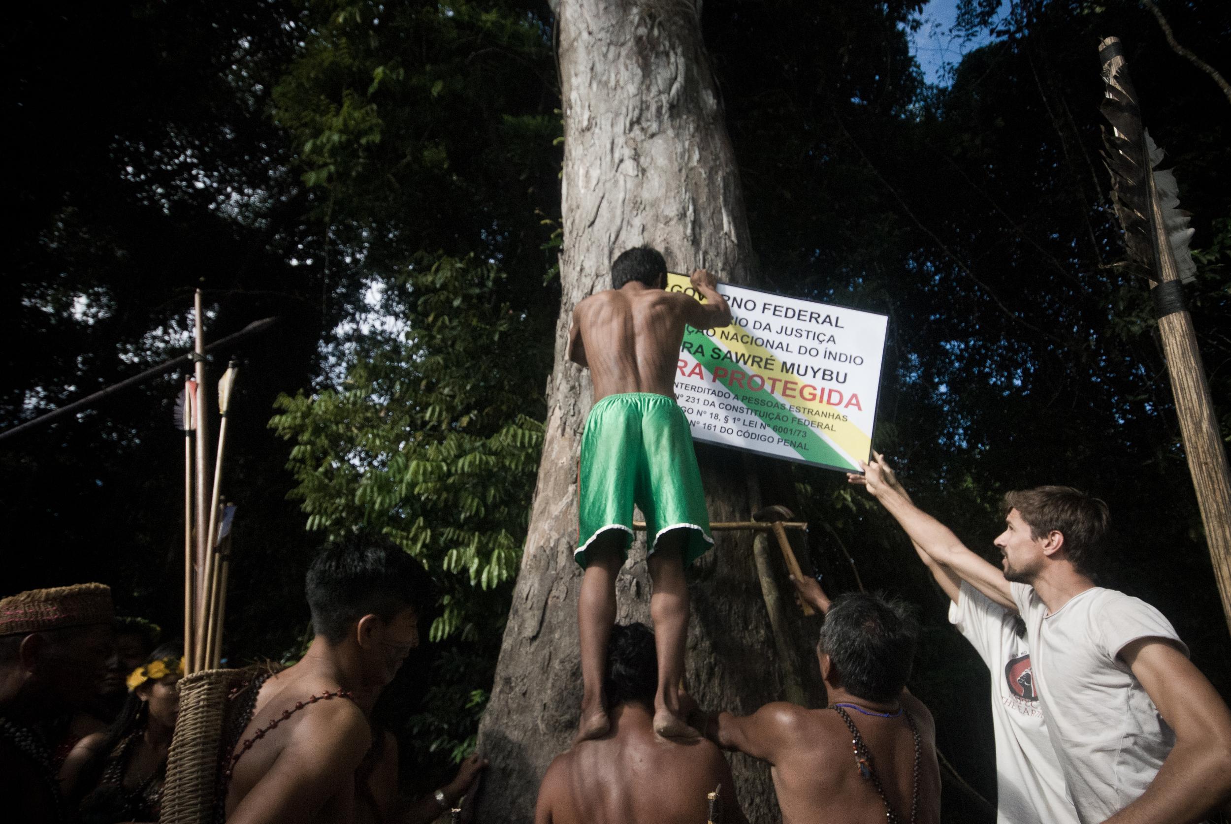 Manifestação dos Mundurukus contra a hidrelétrica de Tapajós