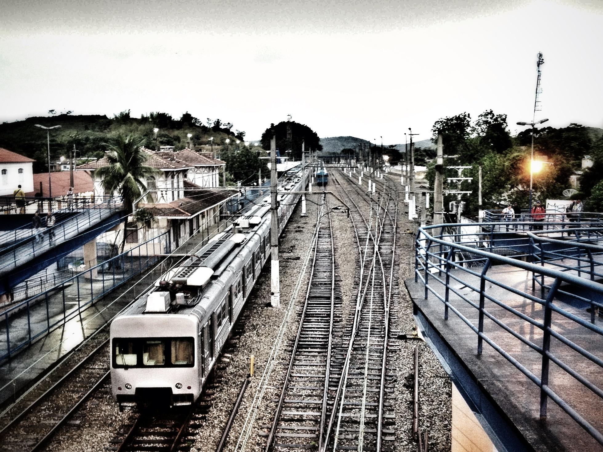 Estação de trem em Japeri. O município é considerado um dos campeões mundiais em tempo de deslocamento casa-trabalho do mundo. Foto Daniela Fichino