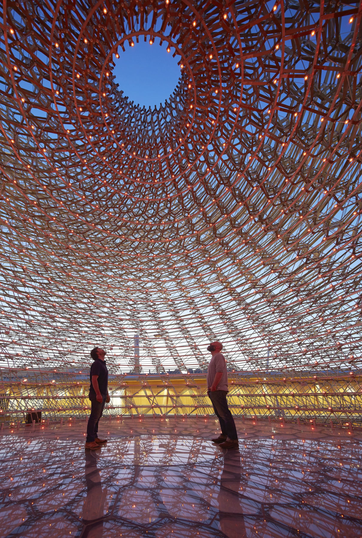 A instalação The Hive no pavilhão da Grã Bretanha na expo Milão
