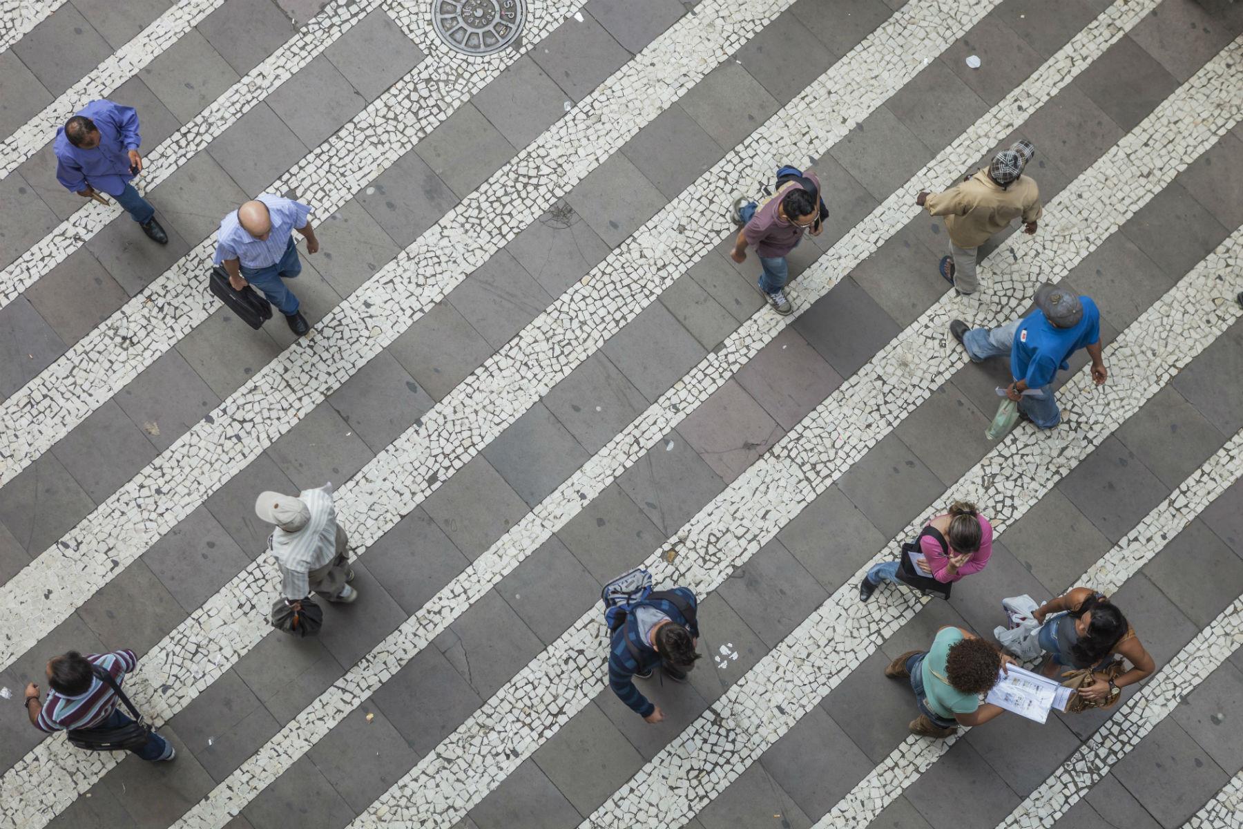 Pedestres no Centro de São Paulo: grupos lutam por mobilidade dos pé-no-chão