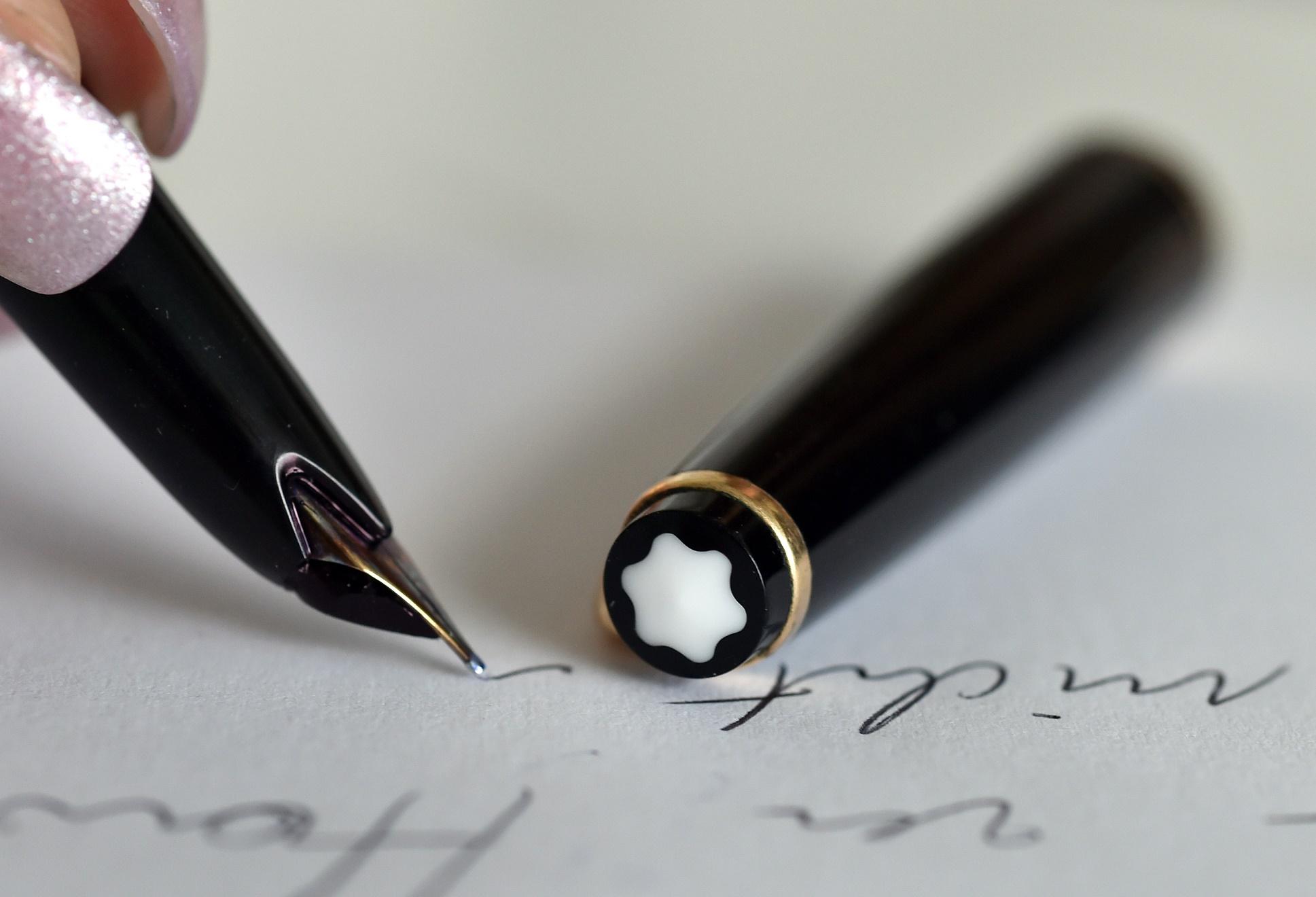 Assinar uma escritura sem usar uma Monblanc ou uma Parker 51 era como estar condenado à mediocridade eterna. Foto de Monika Skolimowska/DPA