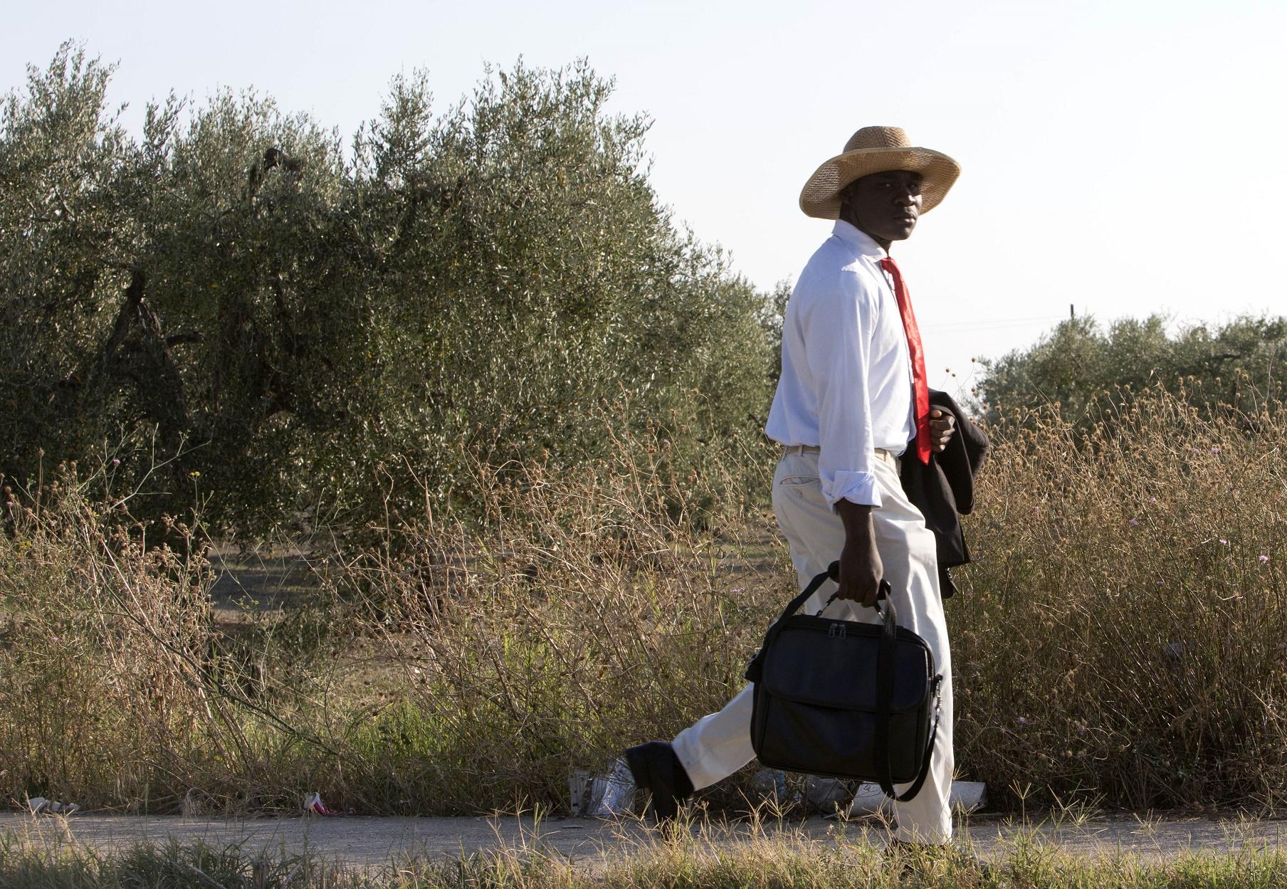Pesquisas indicam que 430 mil pessoas trabalham ilegalmente nos campos italianos. Destas, 80% são imigrantes. Foto de Riccardo De Luca