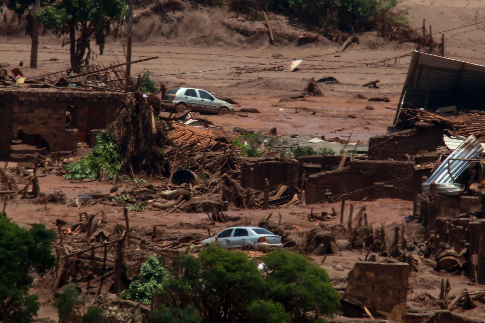Barragem de Fundao. Foto de Doug Patrocio/ Brazil Photo Press/ AFP