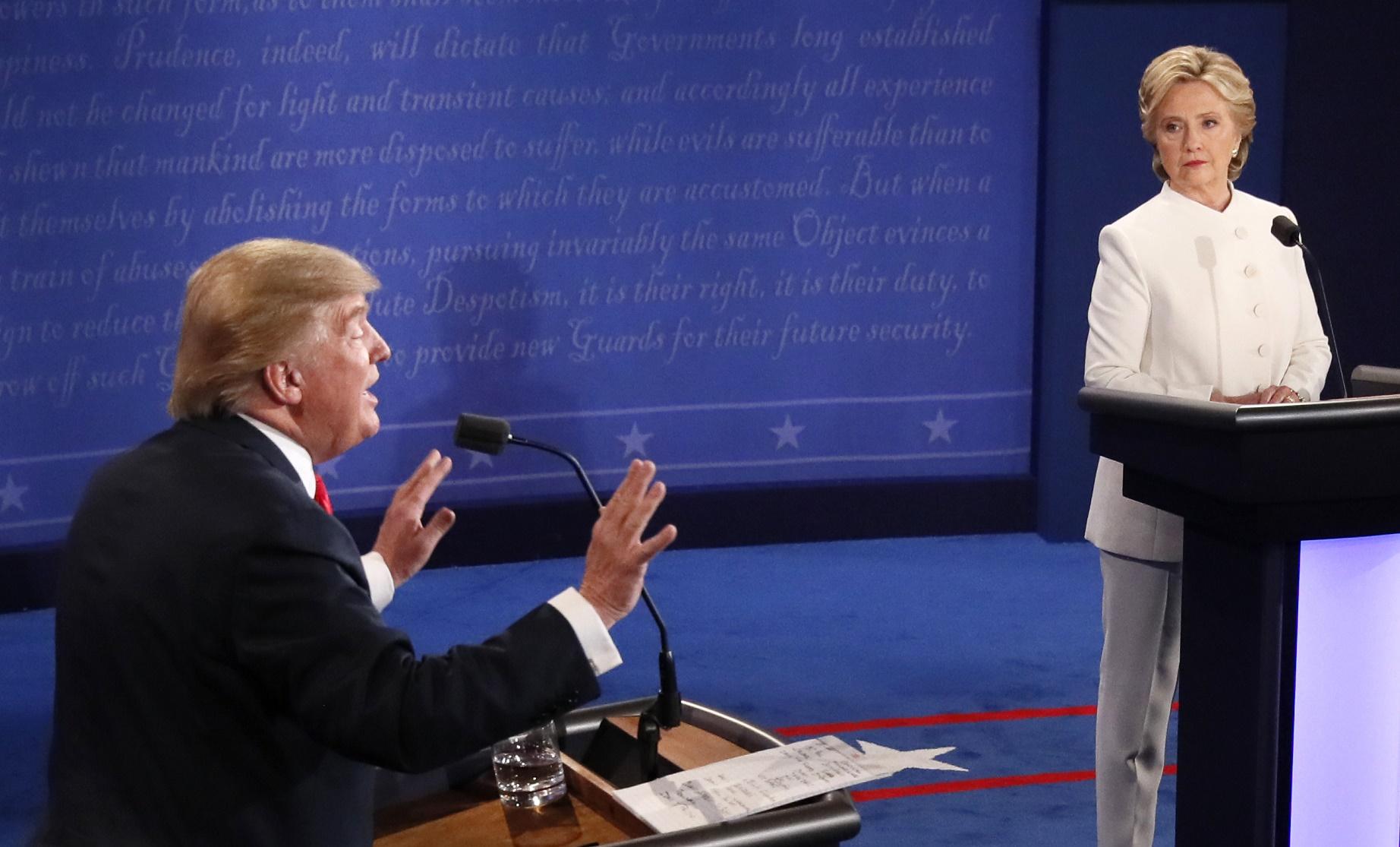 A licença familiar remunerada é um dos poucos temas em que Hillary Clinton e Donald Trump concordam. Foto de Mark Ralston/AFP