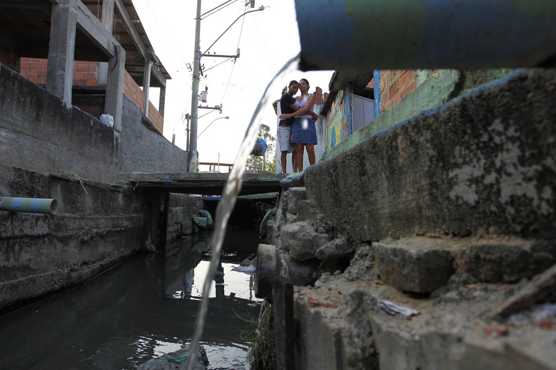A Zona Oeste representa 48% do território carioca e concentra 27% da população do Rio, com alguns dos bairros mais pobres da cidade. Foto de Custódio Coimbra