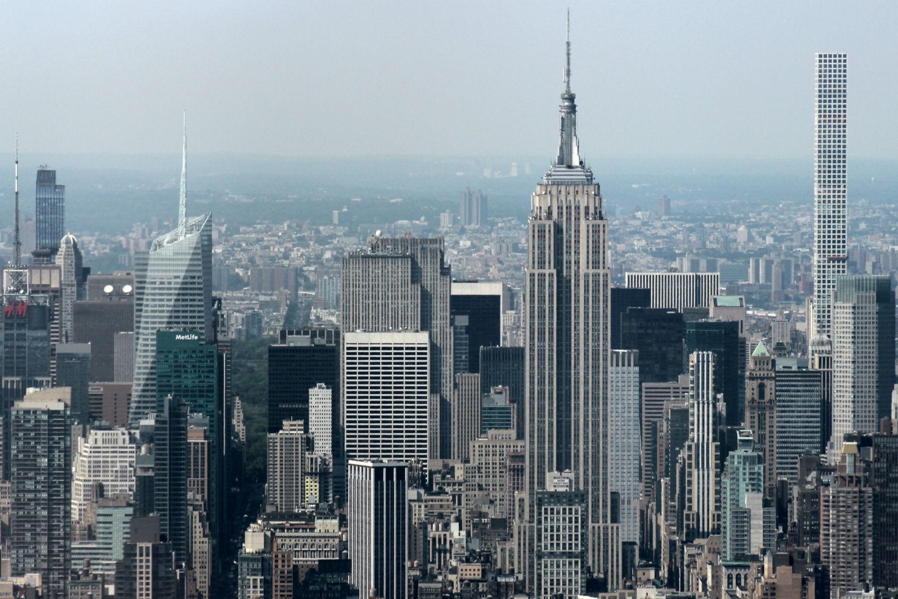 Panorama do centro de Manhattan, com o Empire State, a partir do One World Observatory, no sul da ilha. Foto de Carla Lencastre