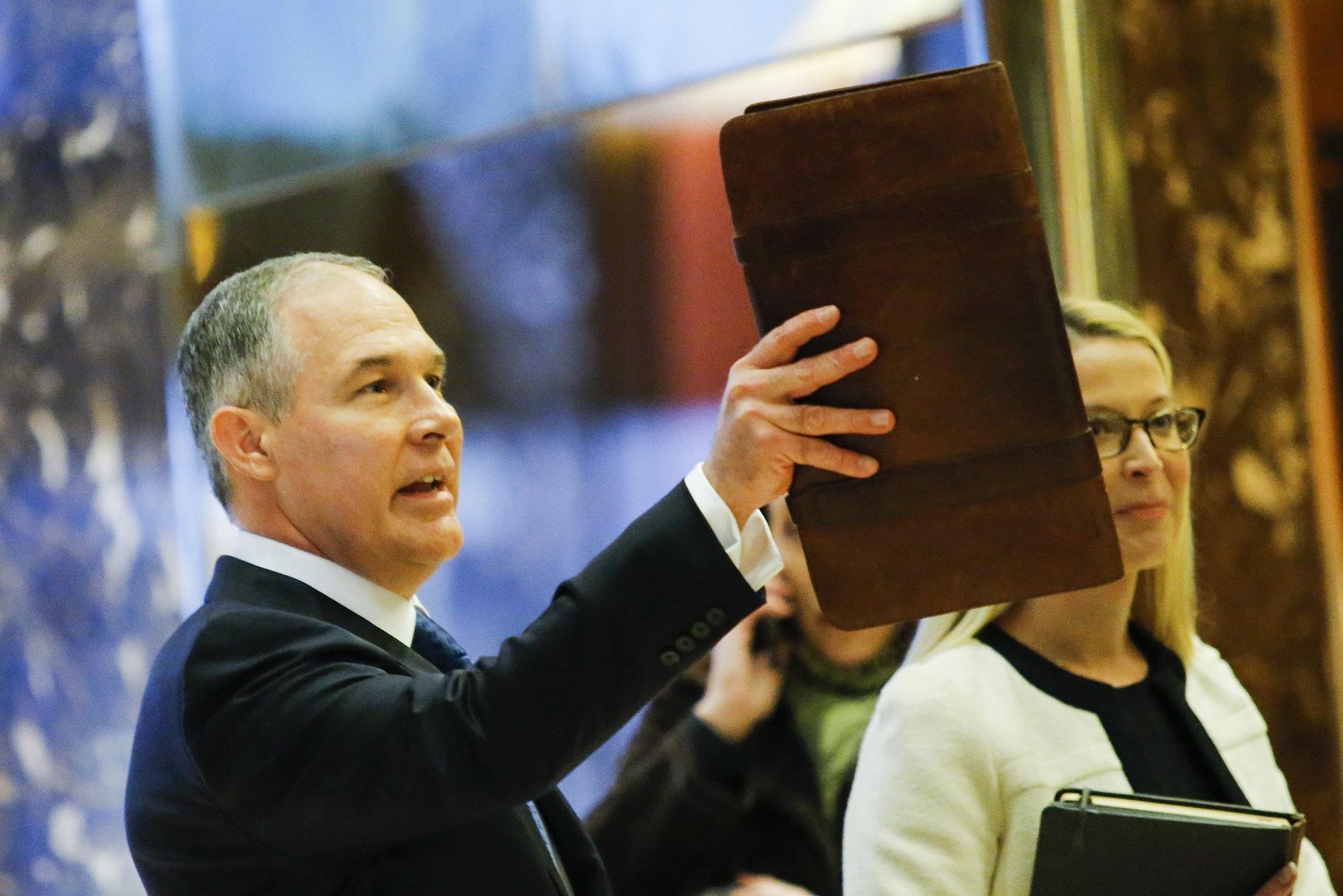A indicação do procurador geral de Oklahoma, Scott Pruitt, como chefe da EPA, causou consternação entre ambientalistas. Foto de Eduardo Munoz Alvarez/AFP