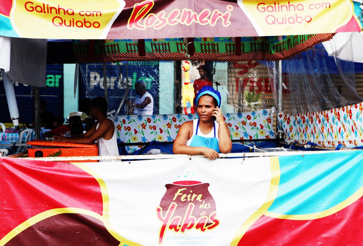 A cultura negra está nos sabores da culinária e na música na Feira das Yabás (Foto Berg Silva)