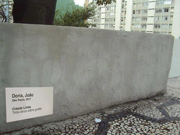 Protesto bem-humorado transforma em arte a decisão do prefeito. Foto de Florência Costa