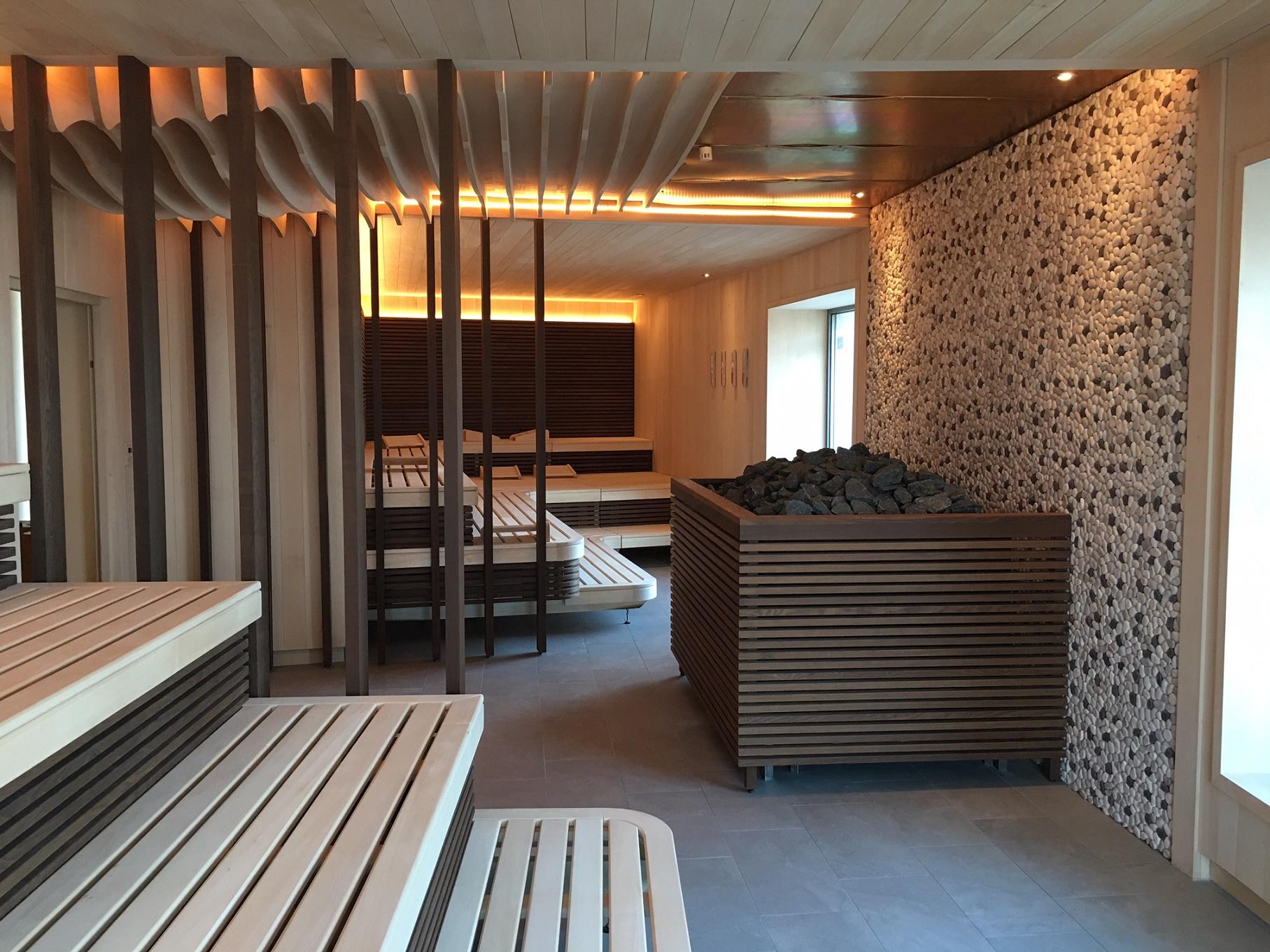O complexo de saunas é gigantesco e climatizado. Dois andares. Paga-se 17 euros por três horas de uso. Foto de Divulgação