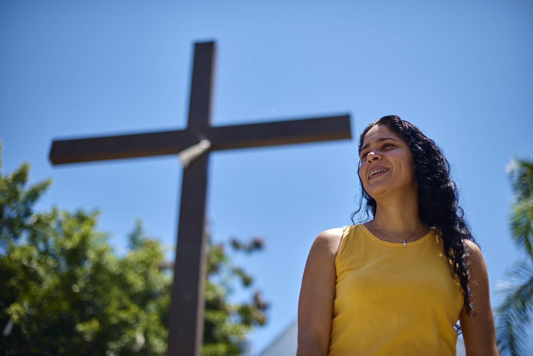 Aline Mendes deixou o emprego no cartório para se dedicar ao trabalho de buscar soluções para a comunidade. Foto Fernando Tribino