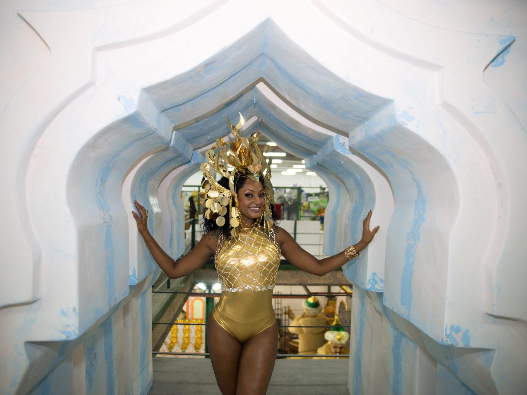Camila Silva, rainha da bateria da Mocidade Independente de Padre Miguel. Foto de Eduardo Hollanda