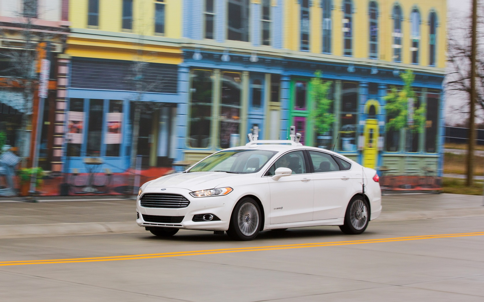 Teste do Ford Fusion Híbrido no campus da Universidade de Michigan, nos Estados Unidos. Foto Divulgação