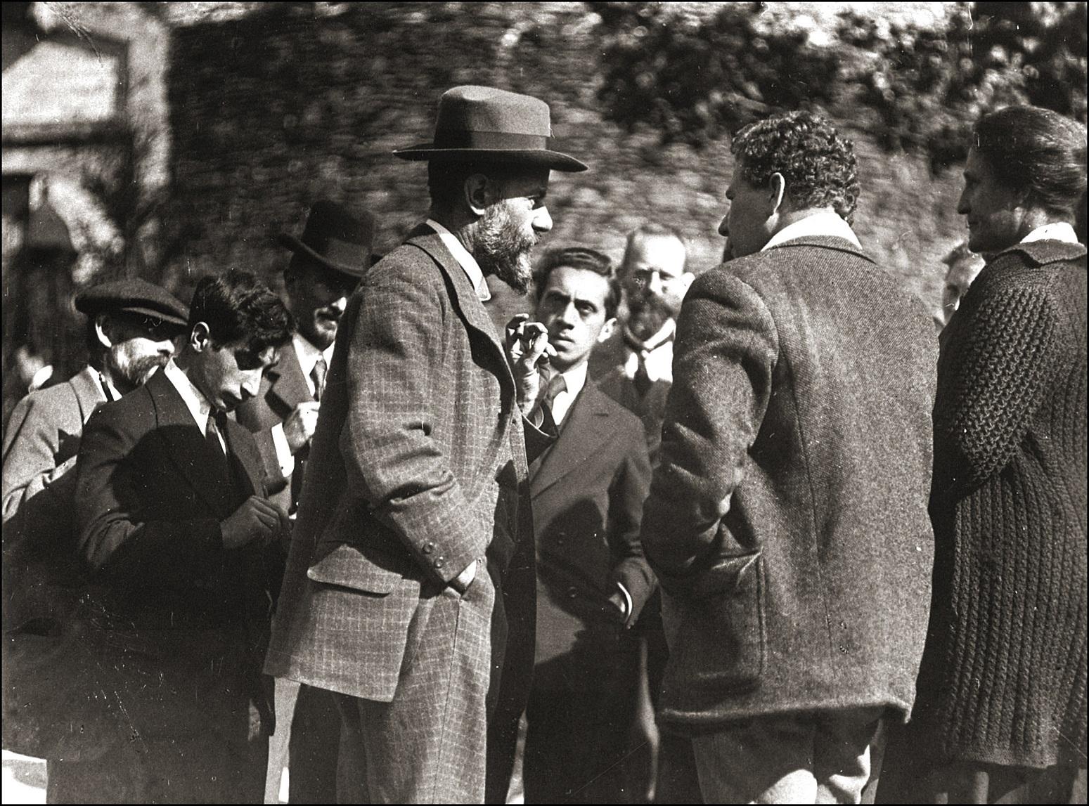 O sociólogo alemão Max Weber foi um dos primeiros a mostrar a relação entre o comportamento econômico e as raízes religiosas. Foto Leemage