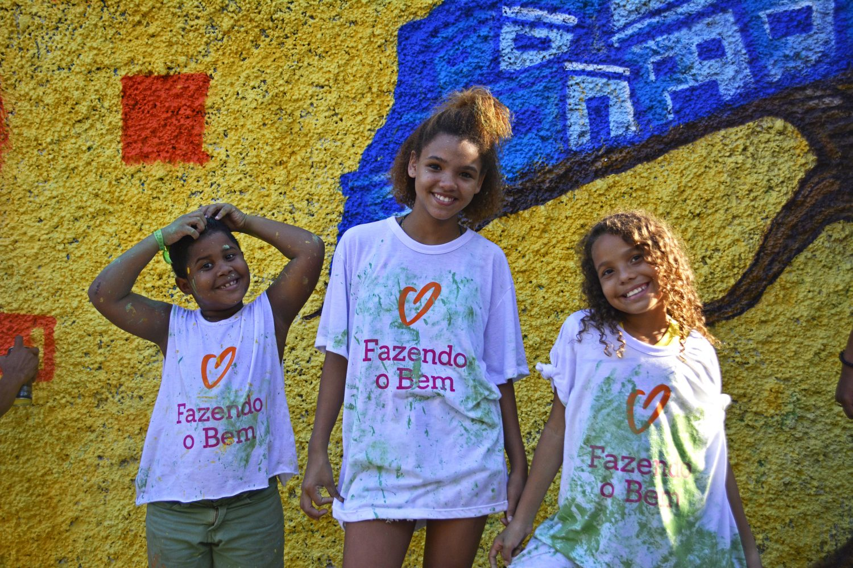 Pintar paredes e revitalizar espaços: ações do Dia das Boas Ações em 2016 (Foto Gabriela Mendes/Divulgação)