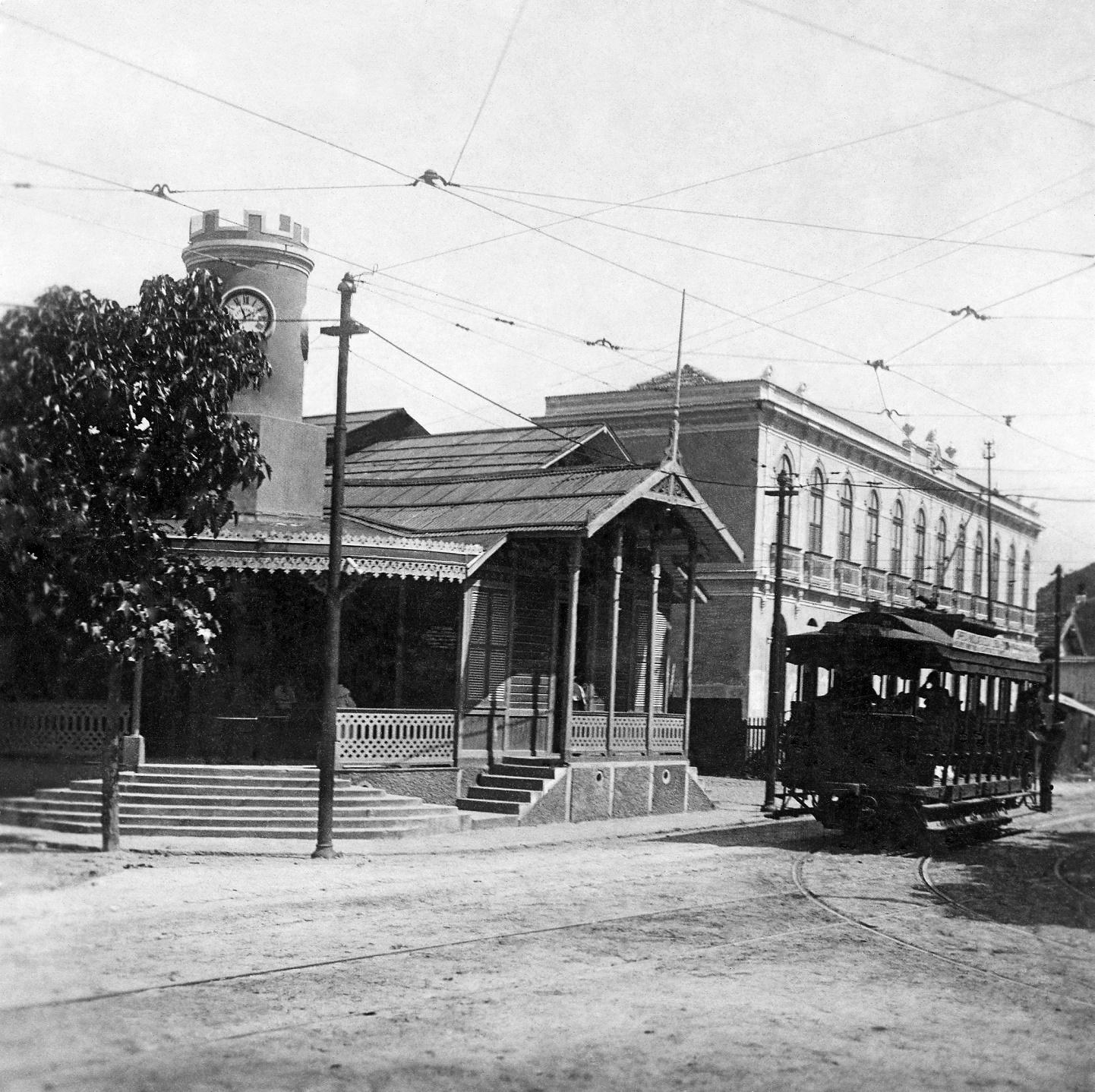 A antiga estação do bonde em Copacabana é uma das preciosas imagens do livro. Foto Divulgação