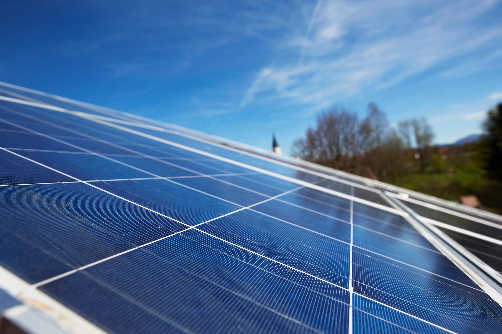 Até 2050 fontes renováveis deveriam responder por 80% da produção de energia. Foto Stephen Lux/Image Source
