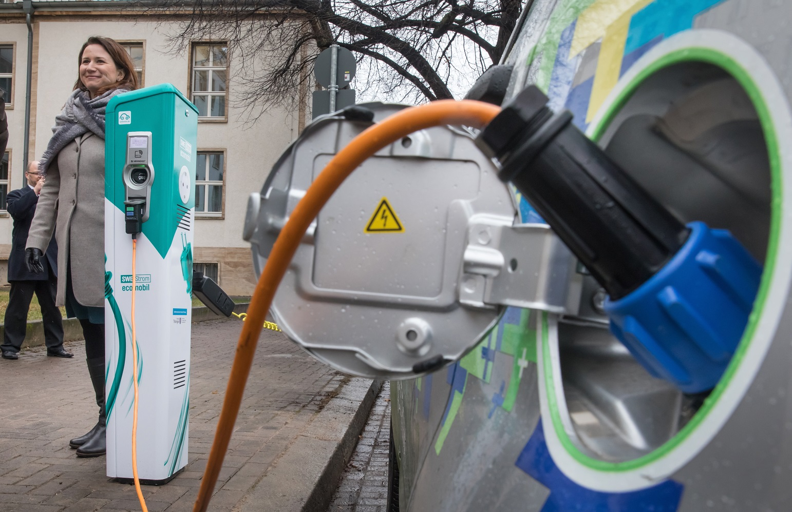 Para que a meta seja alcançada, até 2050 70% dos carros do mundo deveriam ser elétricos. Foto Arifoto Ug/DPA