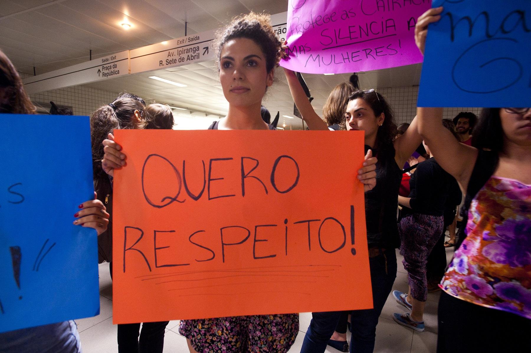Mulheres protestam contra o assédio no metrô de São Paulo. Foto de Gabriel Soares/Brazil Photo Press