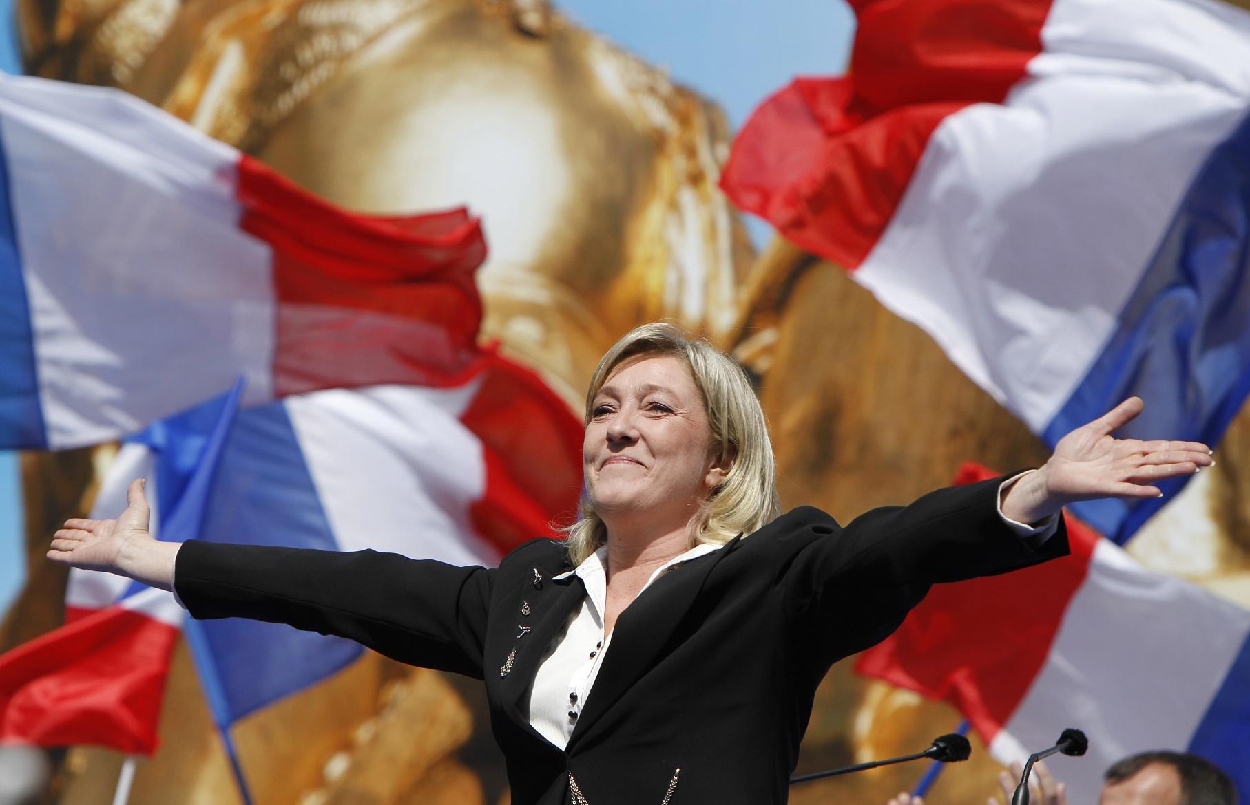 Tudo indica que Marine Le Pen não vencerá o segundo turno da eleição francesa, mas seu partido sai fortalecido e já não assusta parte dos eleitores. Foto Kenzo Tribouillard/AFP