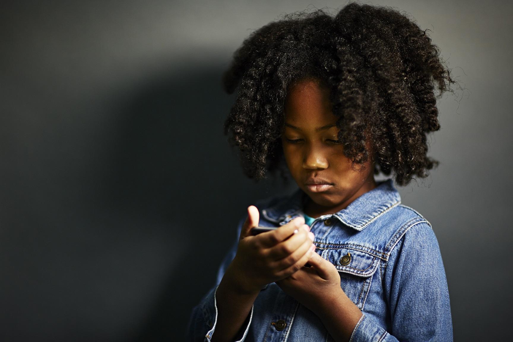 A OMS recomenda que as crianças tenham mais atividades ao ar livre para não forçar a visão de perto. Foto JPM / Cultura Creative