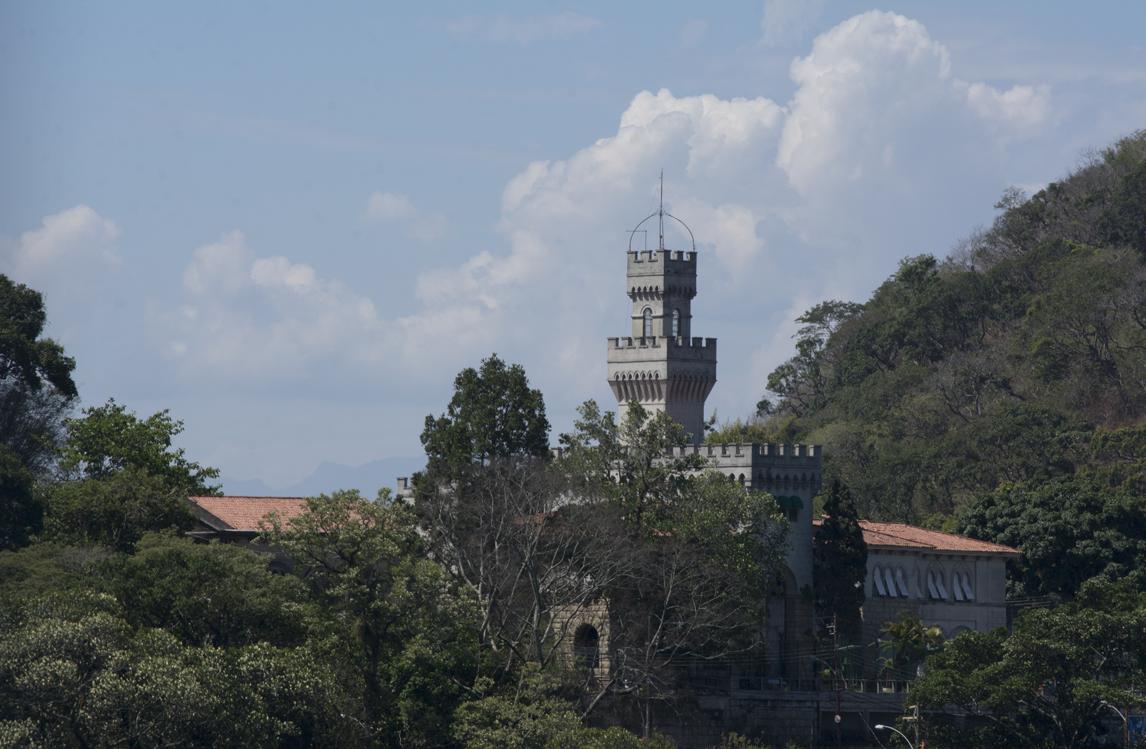 A torre do tradicional castelo de inspiração fiorentina, em Santa Teresa. Foto Angélica Brum
