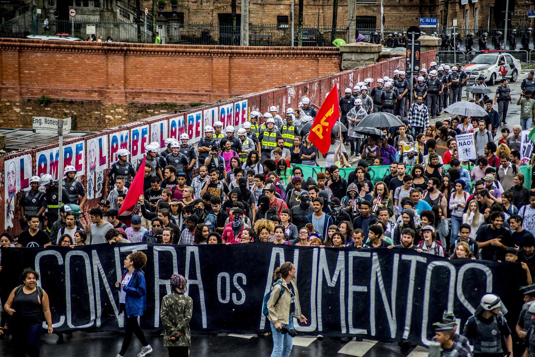 Milhares de manifestantes foram às ruas em todas as capitais do Brasil em 2013: estopim foi aumento das passagens de ônibus. Cris Faga/Citizenside