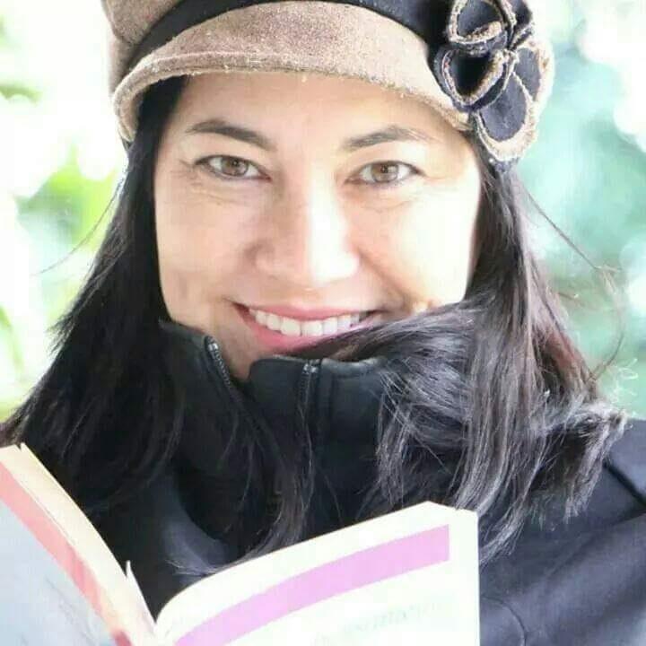 Elika Takimoto, escritora, professora e coordenadora de física do Cefet. Foto divulgação