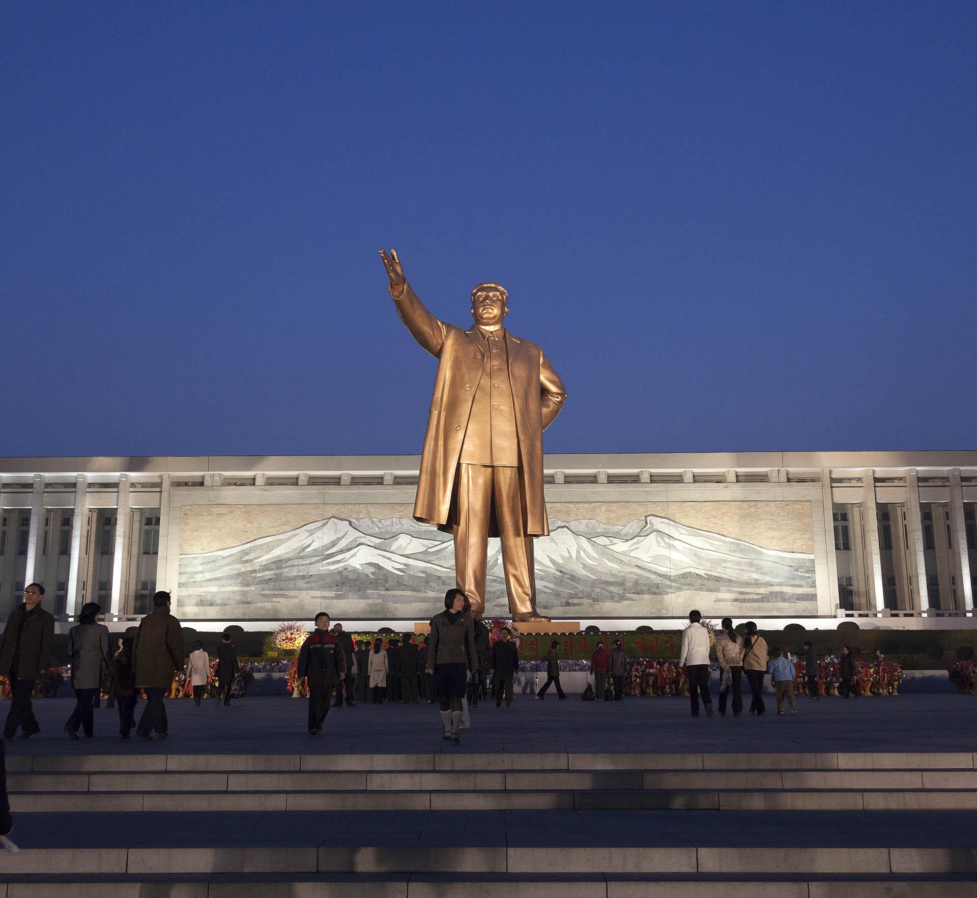Assim como em Pyongyang, capital da Coreia do Norte, as reverências no Facebook são a escolha mais prudente. Foto Leo Aversa