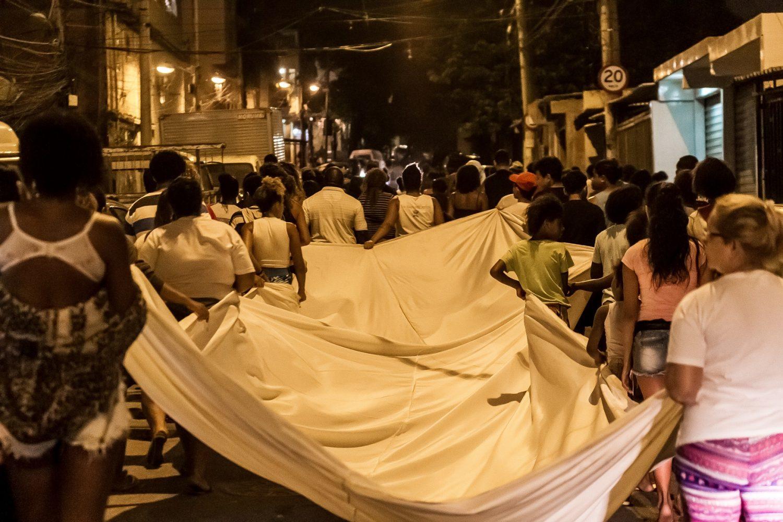 Moradores do Jacarezinho pedem paz depois de mais um conflito na comunidade esta semana. Foto Ellan Lustosa/Citizenside
