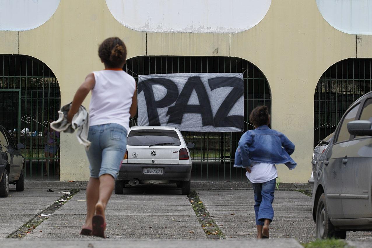 Numa cidade dividida, a difícil busca de tranquilidade para todos. Foto Custódio Coimbra