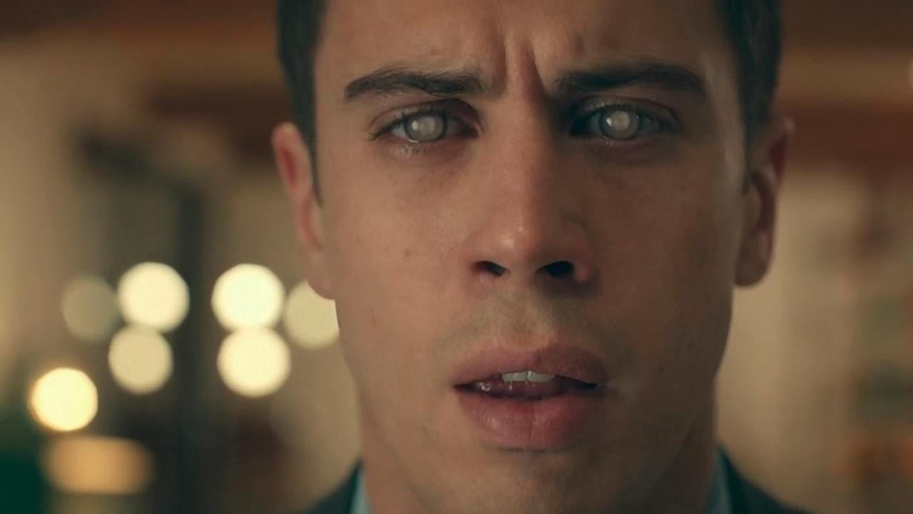 """O episódio """"The entire history of you"""", da série Black Mirror: o personagem rebobina a sua vida. Foto Divulgação"""