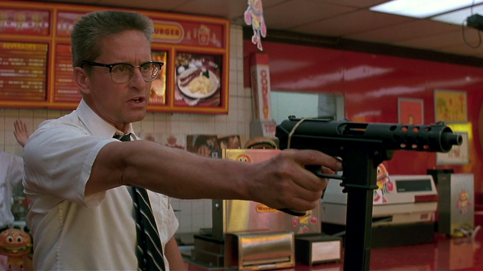 """""""Um dia de fúria"""": Michael Douglas explode contra tudo e contra todos no filme de 1993 (Reprodução)"""